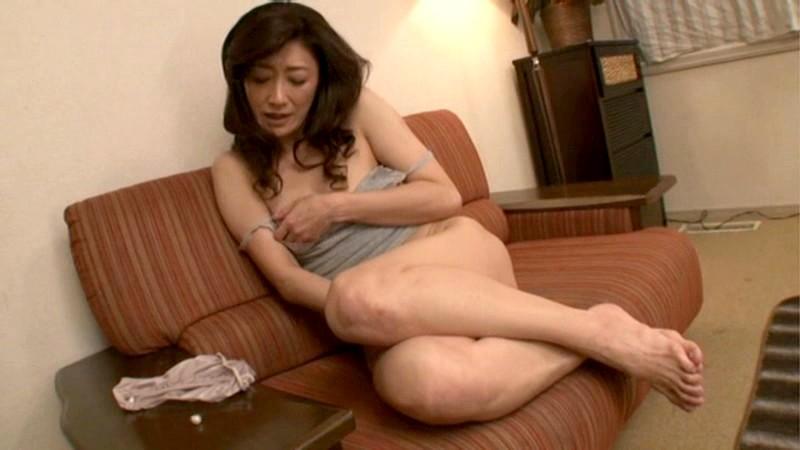 初撮り五十路妻ドキュメント 江口容子