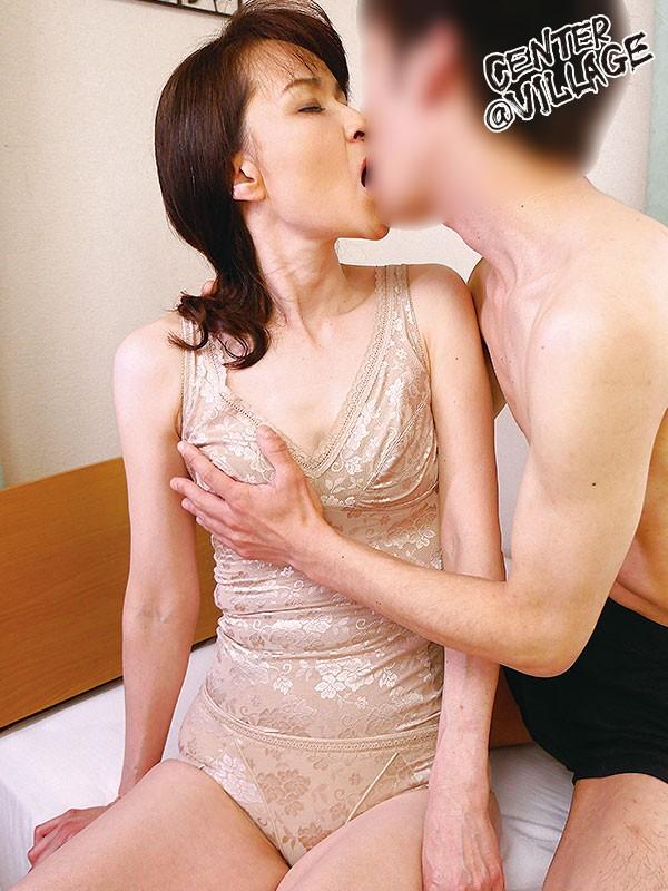 初撮り五十路妻ドキュメント 高田すみれ 画像8
