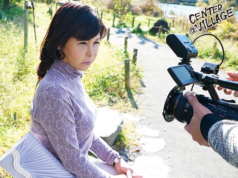 初撮り五十路妻ドキュメント 神谷朱音
