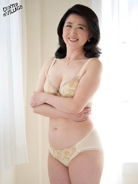 初撮り五十路妻ドキュメント 戸塚雪乃 2枚目