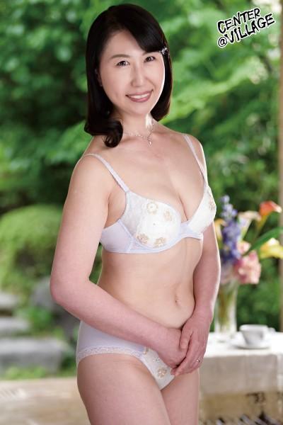 初撮り五十路妻ドキュメント 杉村哲子 1枚目