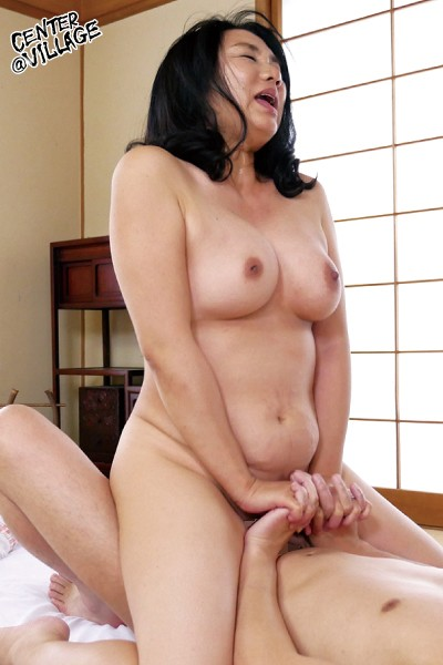 JRZD-947 Studio Center Village - The Document Of A 50-something Wife's First Time - Seiko Nagata big image 6