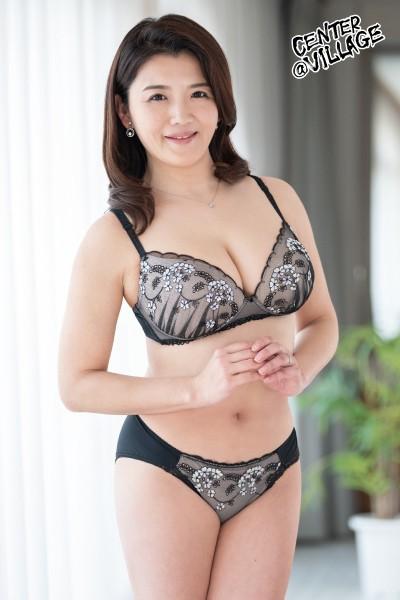 初撮り人妻ドキュメント 三雲ゆり子 1枚目