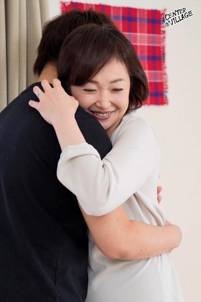 初撮り五十路妻ドキュメント 板垣慶子 画像1