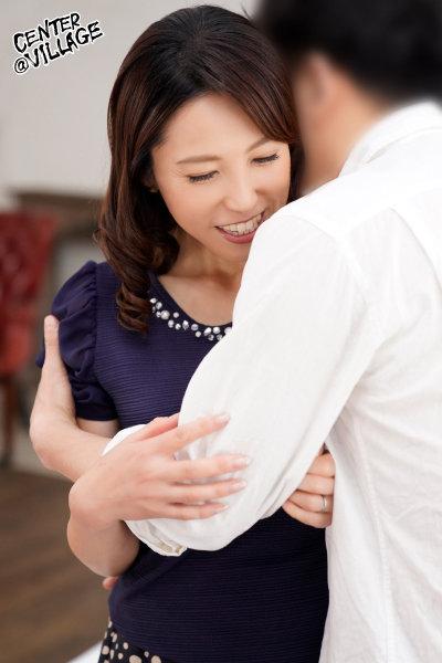 初撮り人妻、ふたたび。 真崎理恵子