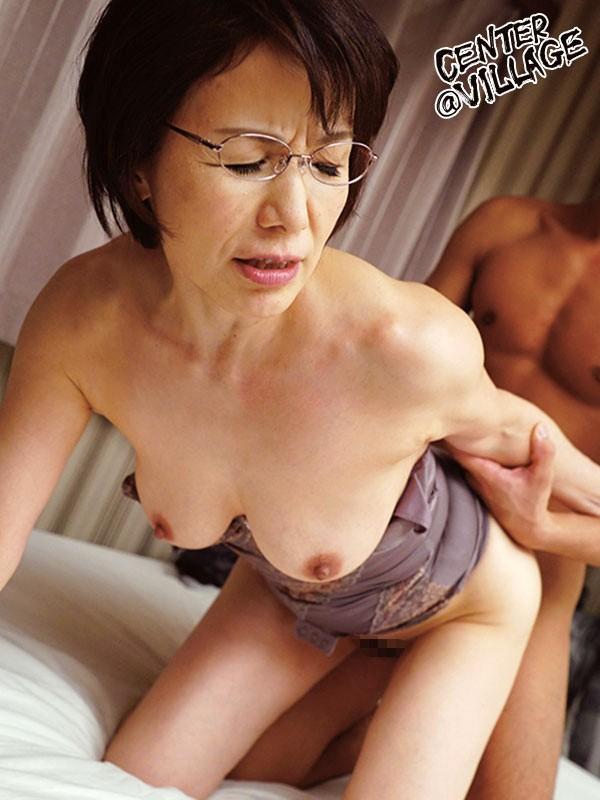 おばさん家庭教師 〜お子さんの童貞卒業させてあげます〜 内原美智子 無料エロ画像10