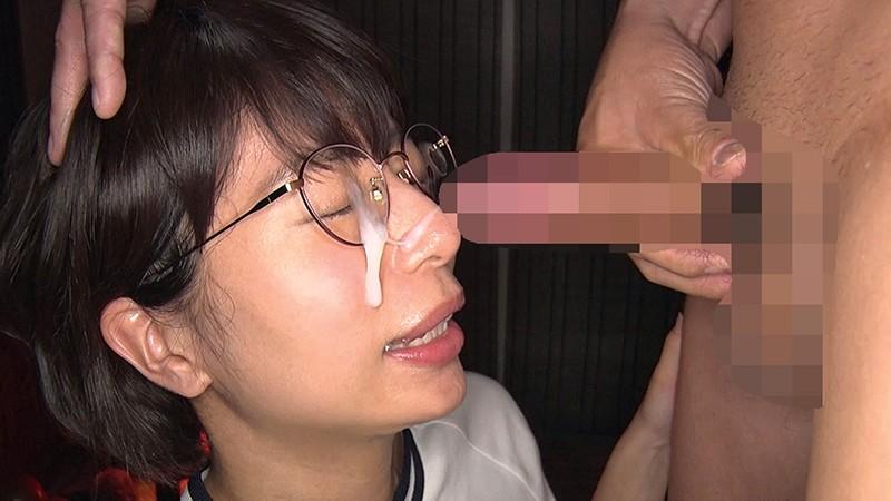 この娘、メガネっ娘なのに…脱いだらすっごい筋肉でした!! まなかかな 画像11