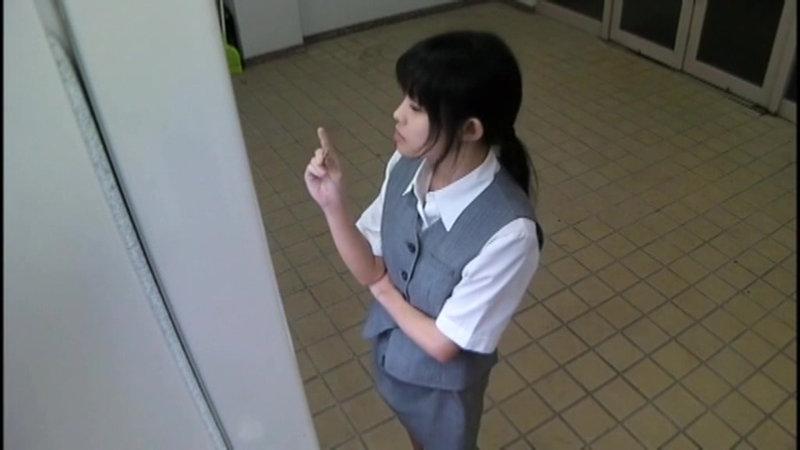 千葉県某スタジオ自販機直下型パンモロ キャプチャー画像 17枚目