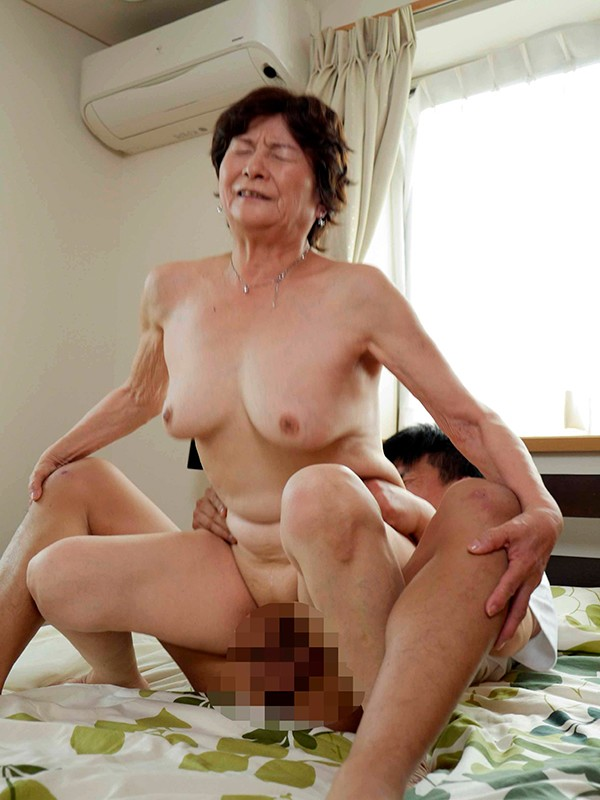 暇な僕とずっと家にいる祖母の淫らな暇つぶし 画像16