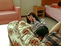 コタツの中で内緒で悪戯 「ちょっと!?彼氏に気づかれちゃうよぉ!」カレの友人に寝取られ本気で生SEX!