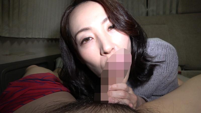 おばさん!おち○ぽシゴいて下さい!男のセンズリに欲情する熟女の性6 キャプチャー画像 16枚目
