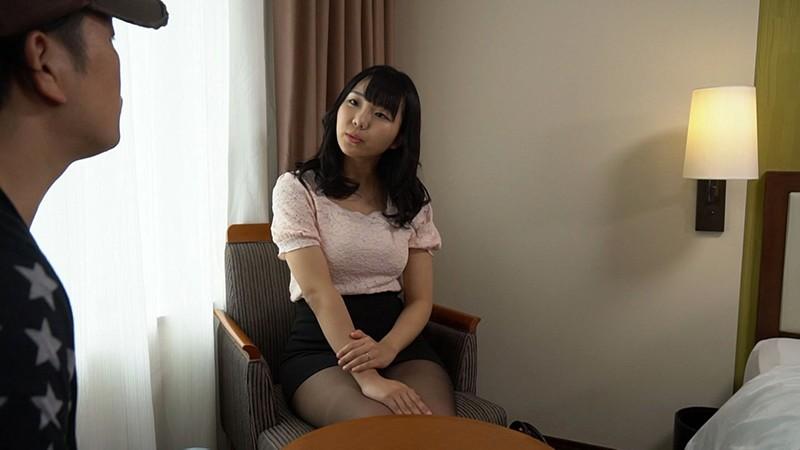 SEARCH エロい巻き髪女 画像3