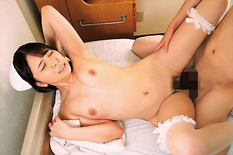 地味で大人しい根暗の陰キャ看護師がどスケベに豹変覚醒◆白衣の人妻誘惑ナース 加藤ももか 19枚目