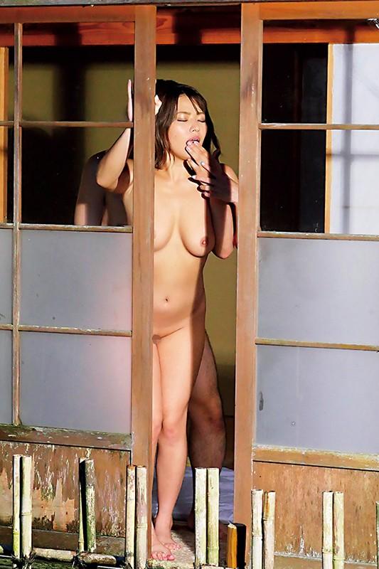 NTR 隣人の旦那を誘惑し寝取りました…色白肌と美巨乳で村中の男を手玉に取る淫乱ビッチ妻の中出し痴女性交 七海ひな12