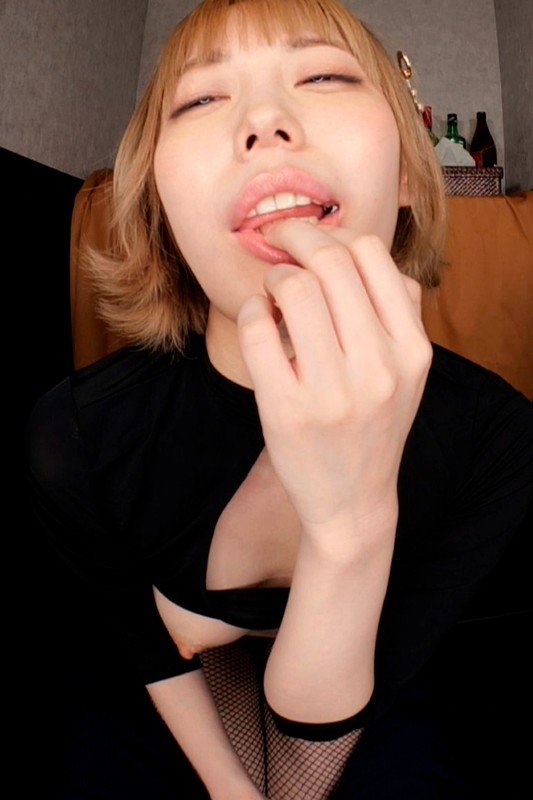 【VR】セクキャバの個室VIPルームで何かが巻き起こるVR 川菜美鈴 画像10