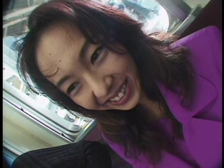 痴漢に襲われた高級美女 スレンダー美乳 坂本リナ 1枚目