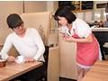 【VR】HQ 劇的超高画質 美巨乳カフェ店員 イケメン常連客に一目惚れ!コッソリ店内で求愛SEX!