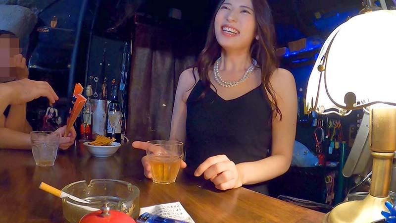肉棒乾杯 ドスケベママがいるハプニングスナック セクス獣紗々原ゆりの店 2枚目