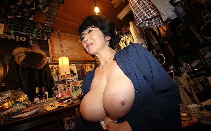 愛しのデリヘル嬢 素人売春生中出し 盗撮強制撮り下ろし 上島さん(主婦)51歳 キャプチャー画像 10枚目