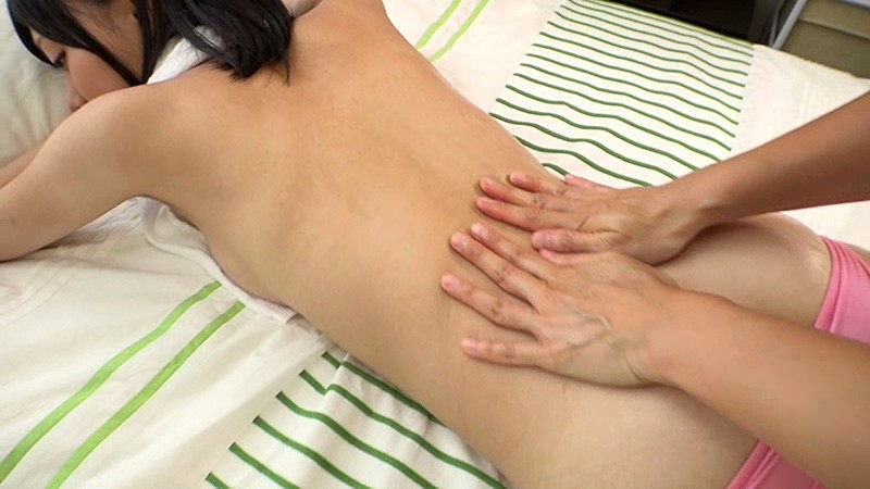 鳴海千秋 「スレンダーボディでキュッと締ったキュートなお尻のちぃchanが手ブラしてくれて、ずっーと見つめてくれるし幸せ」 サンプル画像 6