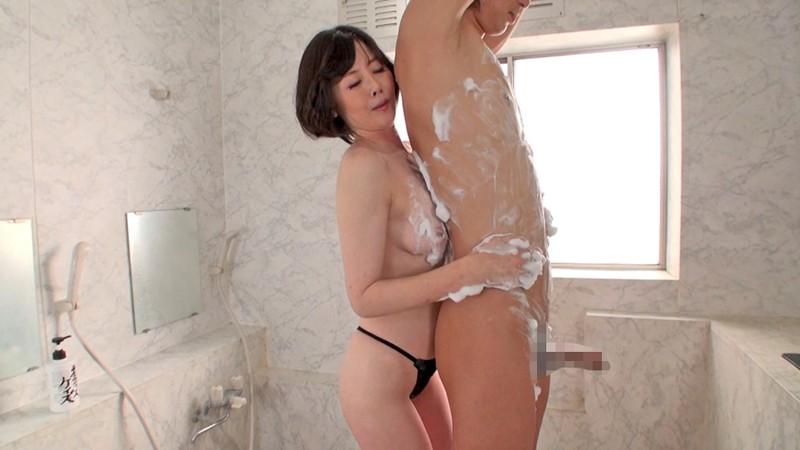 五十路熟女にチ●ポ洗ってもらっちゃいました!2 画像17