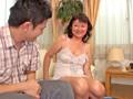旦那の居ぬ間に自宅リビングでピンサロ副業する主婦たち 1