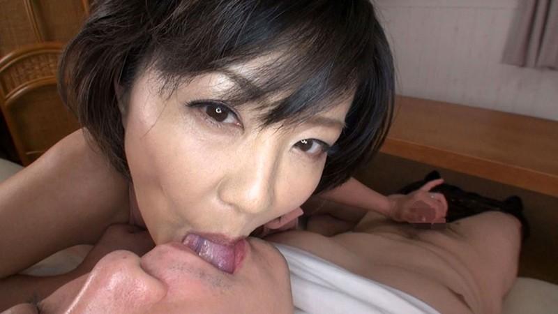 ささやき淫語で誘惑する淫乱五十路妻 円城ひとみ キャプチャー画像 10枚目
