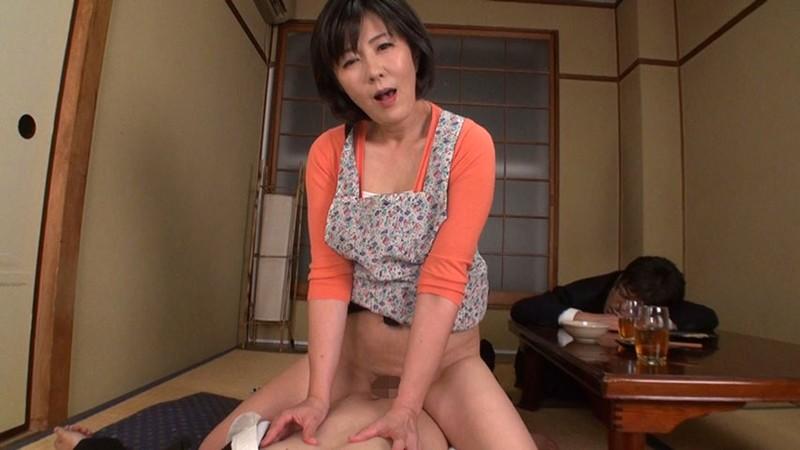 ささやき淫語で誘惑する淫乱五十路妻 円城ひとみ キャプチャー画像 15枚目