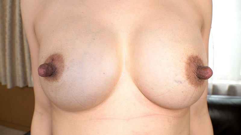 伸張乳首 素人美熟女ナンパ!!街で声をかけた美幸さん(43歳)は3児の母!吸いに吸われまくってゴムゴムの乳首の持ち主になったアラフォー奥様だった!デカナガ乳首奥さんに遭遇 5枚目
