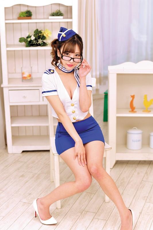 【神コス美少女】 知的眼鏡CAさんのエロフライトサービスフェラぶっかけ!! 佐々波綾 キャプチャー画像 1枚目