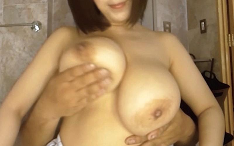 【VR】乳揉みパイズリ自パイ舐め 塚田詩織 8枚目