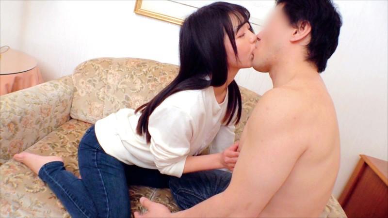 素人女子大生が童貞君とくちSEX!キス未経験男子にキス好き女子がDキス、舌吸い、舌挿入、舌激ピストン!顔中よだれまみれで恍惚絶頂!下のお口も濡れ濡れになってま●こでも生中童貞筆おろし!! 13枚目