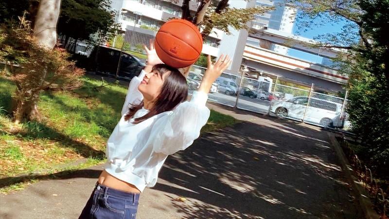 バスケに捧げた青春時代 経験人数1人 小麦肌が眩しい18才 Hの快感を知りたくてAVデビュー 野中萌 15枚目
