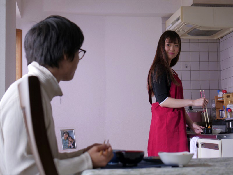 人妻強制受胎 美谷朱里 1枚目