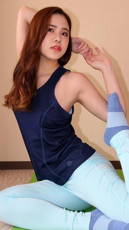 アソコに直穿きスポウェア女子 マン汁流して感じすぎエクササイズ!!13