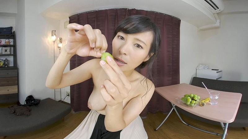 【VR】女性がフルーツを食べるだけのVR5
