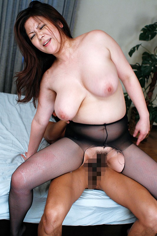 熟女の性欲は異常 SEXは人妻の方が上手...