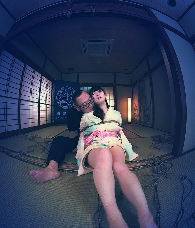 【VR】How to 緊縛VR01 '後手縛り'+'膝下吊り腰捻り逆さ' 川上ゆう 画像17