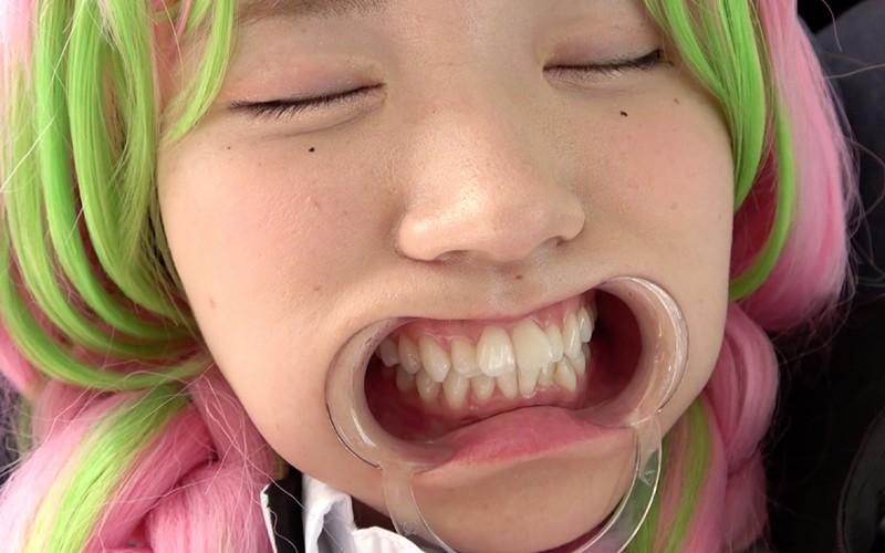口内フェチ 〜歯・口内・のどちんこ観察&電マ当て〜 水沢つぐみ 画像12