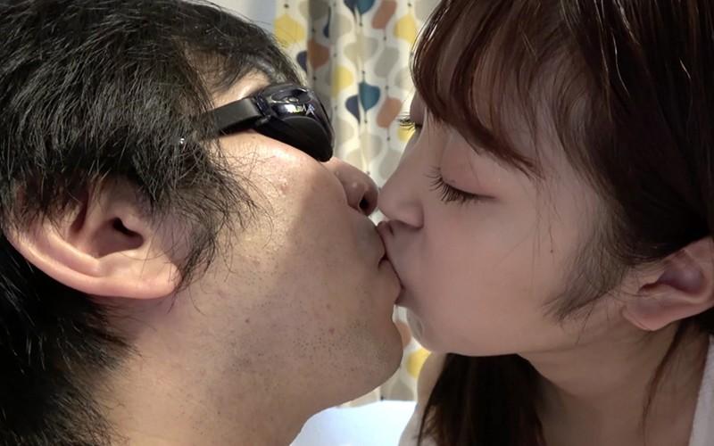 舌ベロプレイ 〜顔舐め鼻フェラ手コキ〜 加賀美さら 画像12