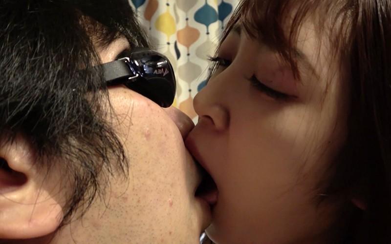 舌ベロプレイ 〜顔舐め鼻フェラ手コキ〜 加賀美さら 画像2