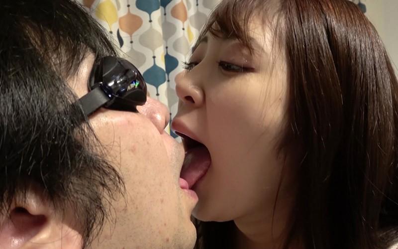 舌ベロプレイ 〜顔舐め鼻フェラ手コキ〜 加賀美さら 画像3