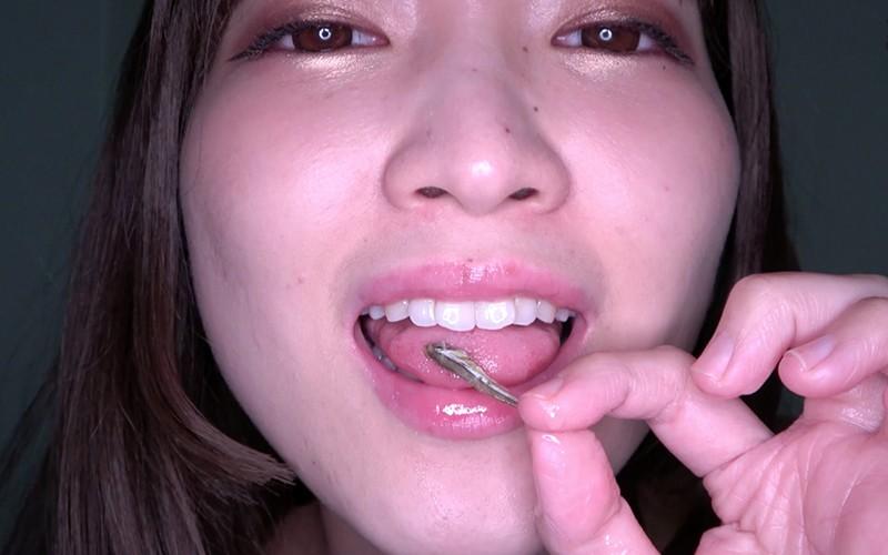巨大女フェチ 〜小魚舐め&咀嚼&唾責めプレイ〜 星あめり キャプチャー画像 6枚目