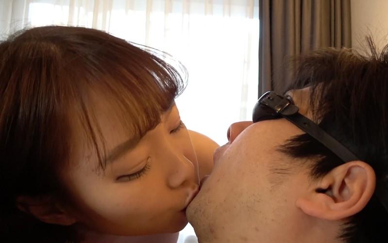 舌ベロフェチ 〜M男顔舐め&唾責めプレイ〜 高梨有紗