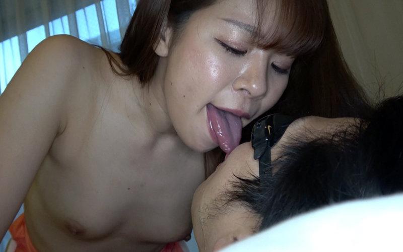 舌ベロメイト 〜極上顔舐め&唾垂らし手コキ〜 真白わかな キャプチャー画像 9枚目