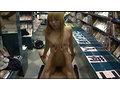 レンタルビデオ店盗撮映像!!店内で起こった客と店員の信じられない欲望記録 欲望男女8人4時間 240分 画像17