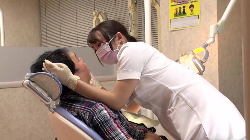 やたらと目があう歯医者さん 桐谷なお 3枚目
