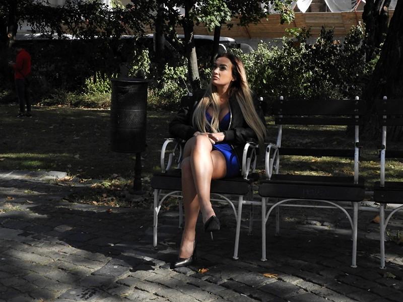 ハンガリーの街角で見つけた超絶スタイル美女はまさかのスイマー!息継ぎなしのノーハンドフェラ泳法に腰砕け! デイジー・リー1