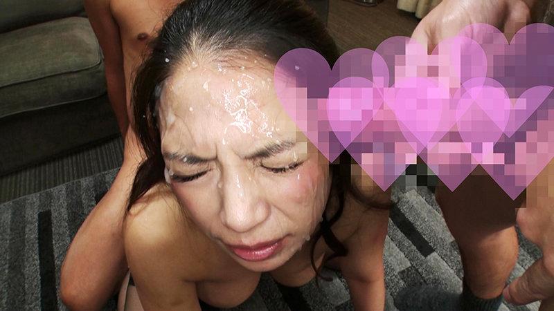 ムッチリ美熟女が連続顔面射精で身も心も白く染まる 5