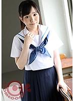 誰もいない放課後の教室に彼女を残らせて、セーラー服を着せたままドキドキしながらエッチをしたら、もの凄く興奮した…。 有馬すず h_1462pyu00027のパッケージ画像